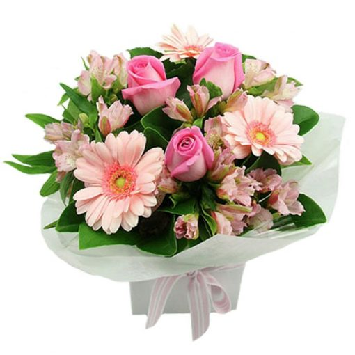 Bouquet with fresh flowers 00110