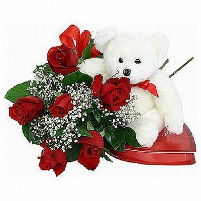 Τριαντάφυλλα σε μπουκέτο με αρκουδάκι και σοκολατάκια 0152