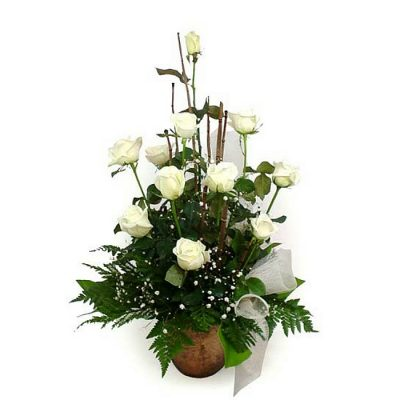 Fresh roses arrangement 001062