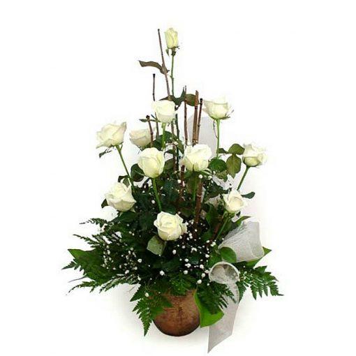 Fresh roses arrangement 001062