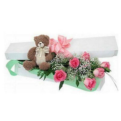 Τριαντάφυλλα σε κουτί με αρκουδάκι 00124