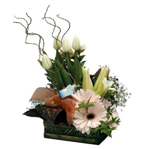 Σύνθεση με φρέσκα λουλούδια 00125