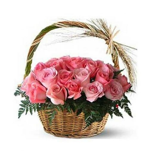 Roses in basket 014